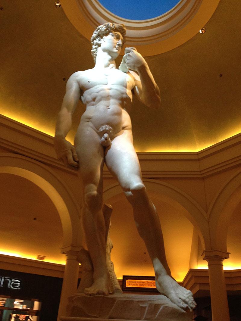 El David en el Caesars Palace Hotel