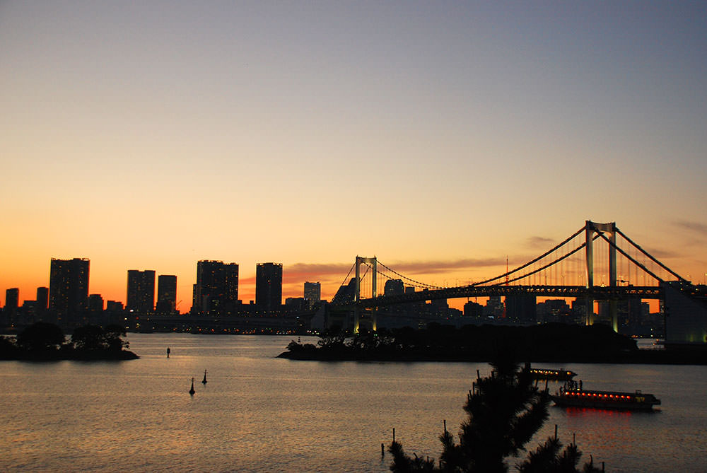 puesta de sol odaiba