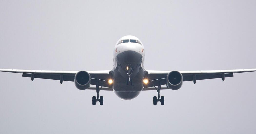 viajar con bebe en avion