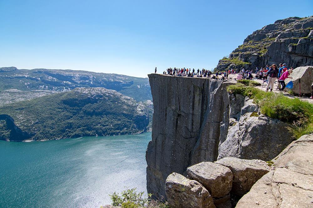 trekking preikestolen noruega